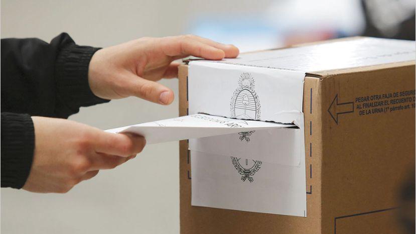 elecciones-urna-voto_1.jpg_258117318